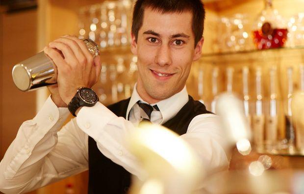candle-light-dinner-fuer-zwei-goessweinstein-mann