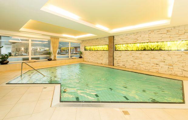 landhotels-weissensee-schwimmen