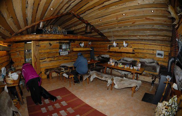 schlittenhundefahrt-saerna-wohnzimmer