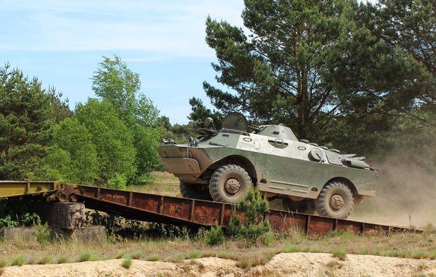 panzer-selber-fahren-mahlwinkel-offroad