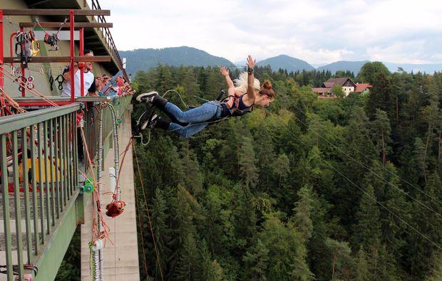 bungee-jumping-jauntalbruecke-jauntalbruecke-in-kaernten-drop-off-tandem