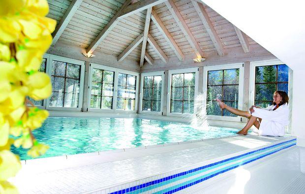 wellness-wochenende-strobl-am-wolfgangsee-schwimmbad