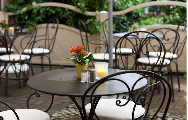 3-days-you-me-schwetzingen-terrasse