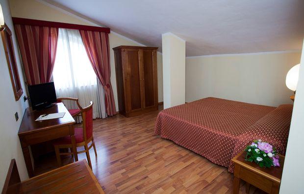bella-italia-assisi-perugia-hotelzimmer