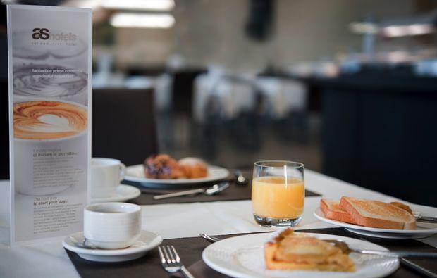 hotel-breakfast-essen_131511279024