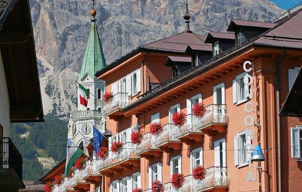 facciata-esterna-con-campanile1512472059