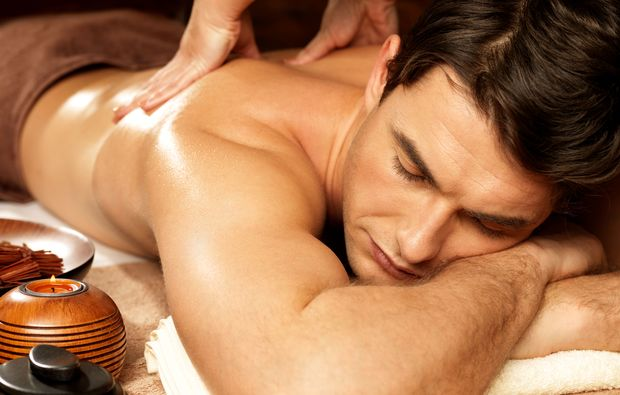 ganzkoerper-relax-massage-merlischachen