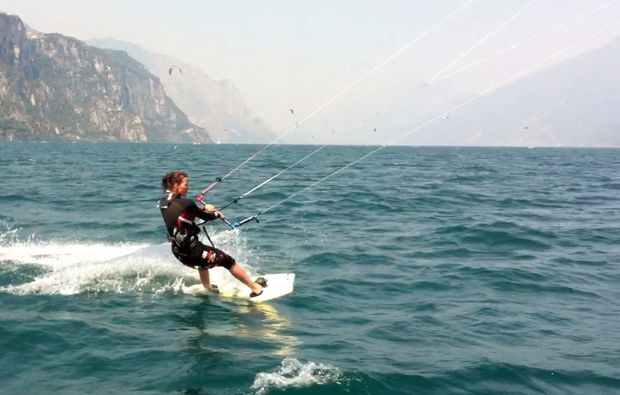 kitesurfen-graun-im-vinschgau-bg2