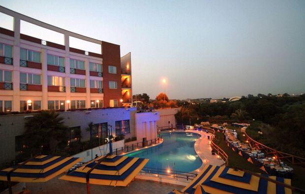 hotel-schwimmen-zimmer_41510936160