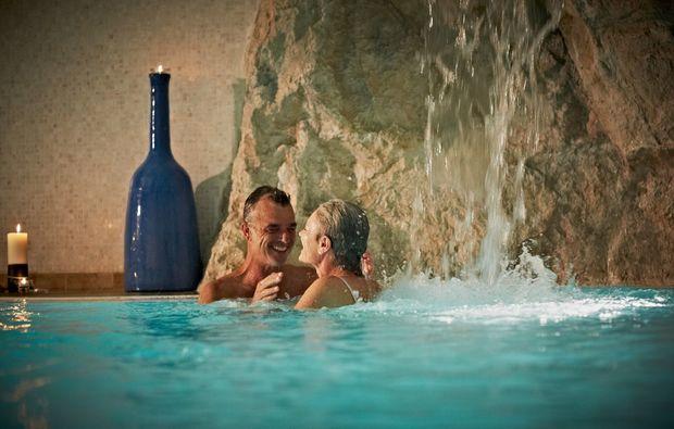 wellnesshotel-cima-di-porlezza-pool