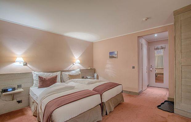 romantikwochenende-crans-montana-schlafzimmer
