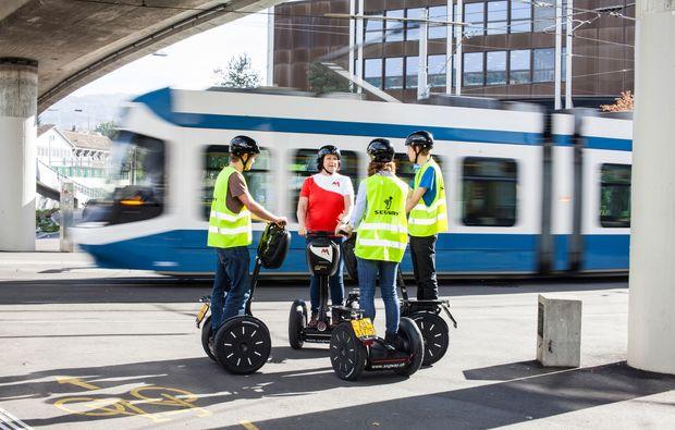 segway-tour-zuerich-tram