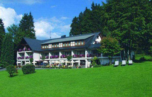 wellness-wochenende-schmallenberg-bad-fredeburg-unterkunft