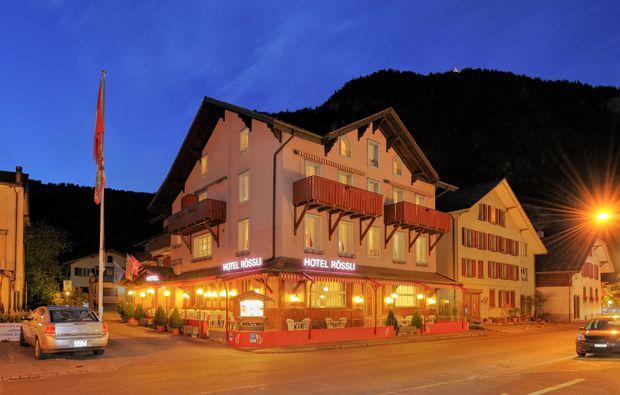 3-days-you-me-unterseen-bei-interlaken-night