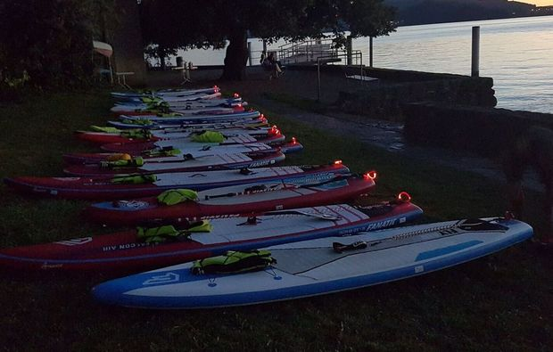 moonlight-stand-up-paddling