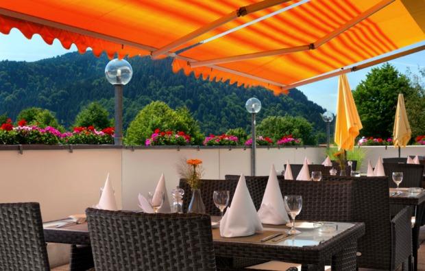 romantikwochenende-schliersee-terrasse