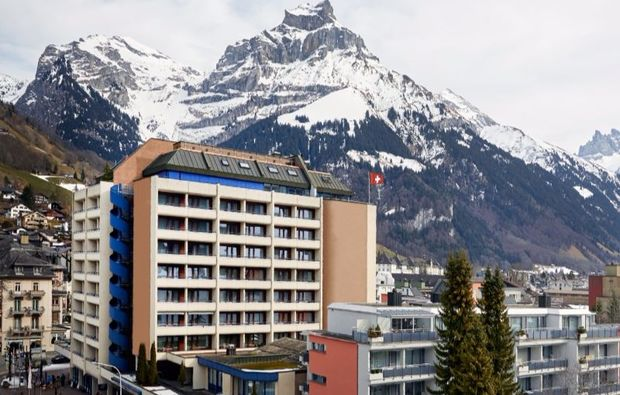 romantikwochenende-engelberg-hotel-berge