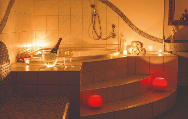 romantikwochenende-tux-bad