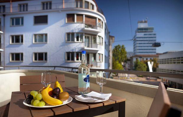 gourmetreisen-zuerich-balkon