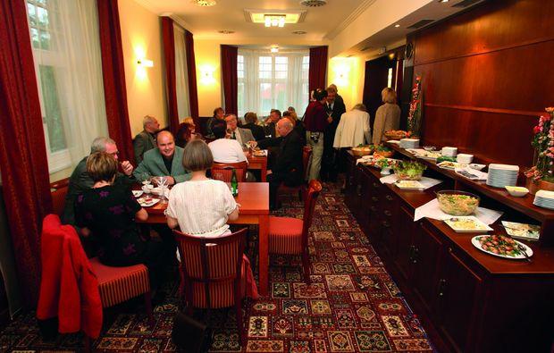 zauberhafte-unterkuenfte-praha-10-buffet