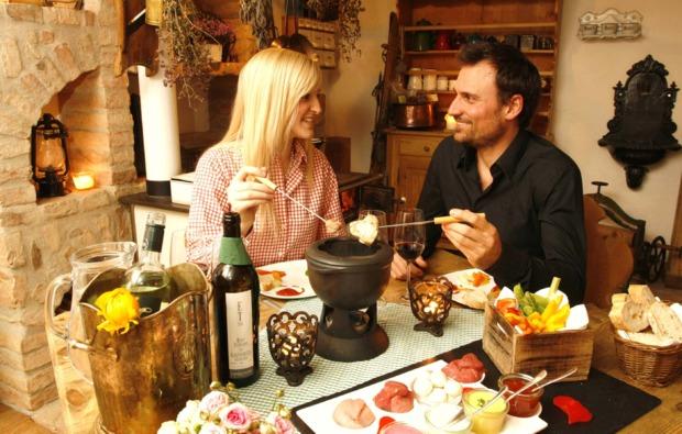 huettenuebernachtung-mit-fondue-thalgau-1-uen-2-personen-bg6