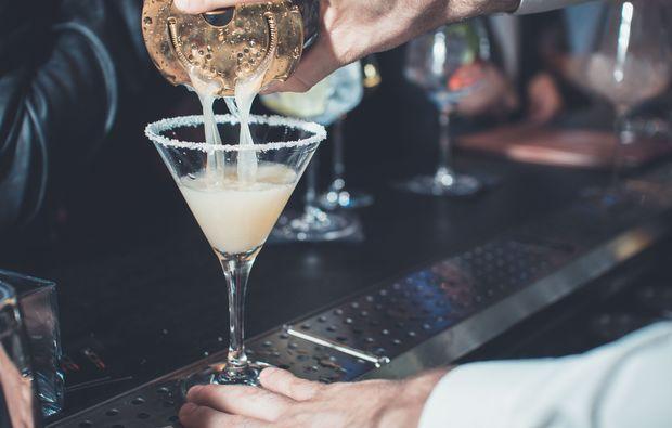 candle-light-dinner-lugano-drink1516719258