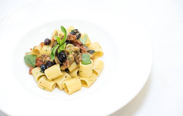 candle-light-dinner-lugano-pasta1516718937
