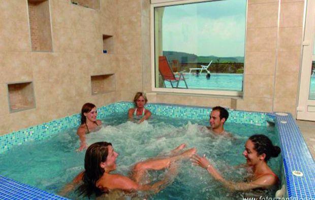 3-days-you-me-szilvsvrad-pool