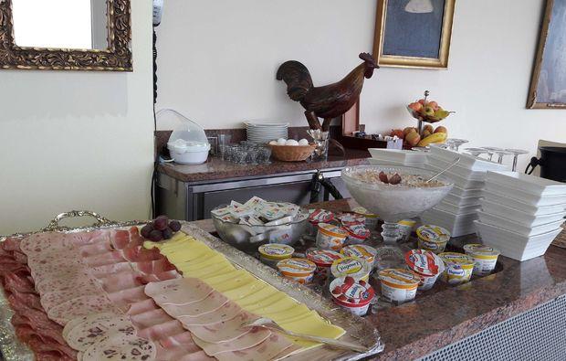 romantikwochenende-flims-buffet