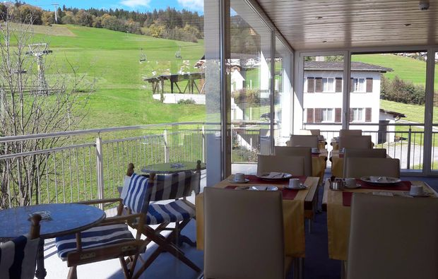 romantikwochenende-flims-terrasse