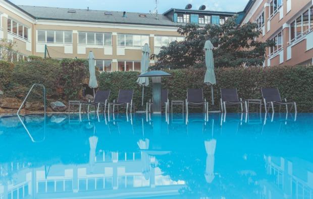 vier-naechte-gemeinsamzeit-jennersdorf-pool