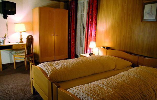 3-days-you-me-emmetten-schlafzimmer