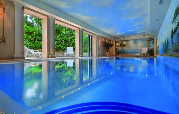 romantikwochenende-villa-kastania-berlin1517574170_big_2