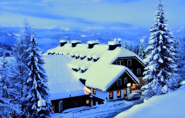 romantikwochenende-nassfeld-winter