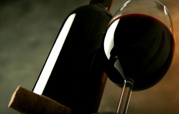 weinseminar-basel-weinflasche-weinglas