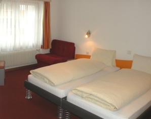 saas-fee-wochenende-hotelzimmer