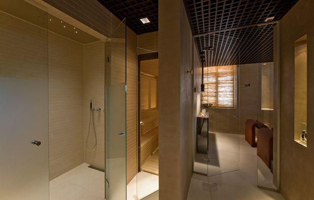 romantikwochenende-kuesnacht-badezimmer