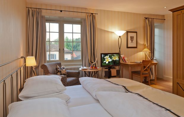 romantikwochenende-kuesnacht-doppelbett