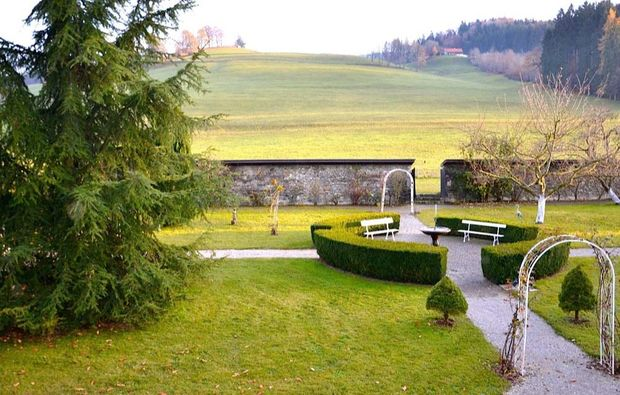 romantikwochenende-le-mouret-schlossgarten