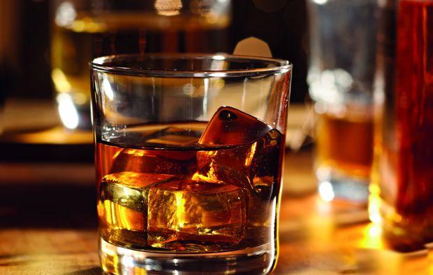 whisky-tasting-bern-glas