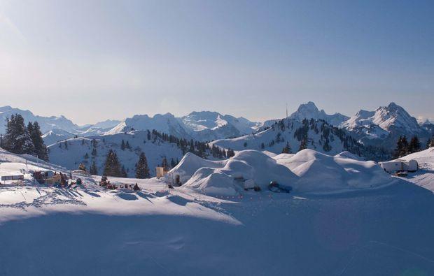 iglu-uebernachtung-davos-ausblick