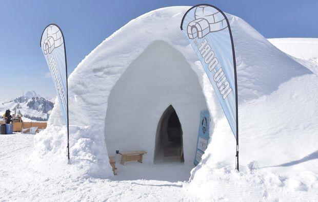 iglu-uebernachtung-zermatt-aussenansicht
