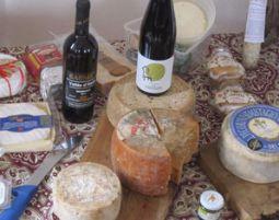 Wein und Käse Verkostung von 8 Weinen & 8 Sorten Käse und Herstellung von 2 Käsesorten
