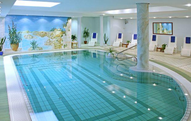 kurzurlaub-merseburg-pool