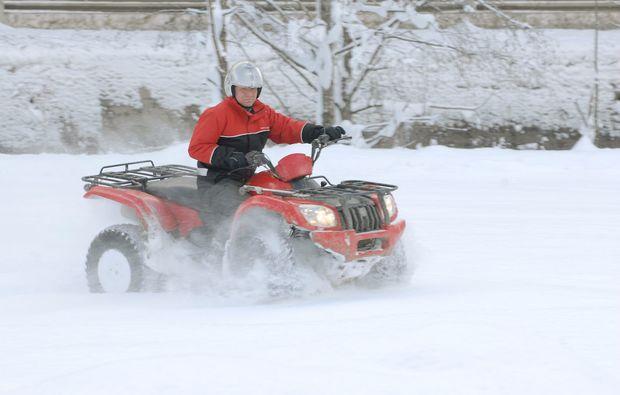 quad-winter-tour-viehhofen-schnee
