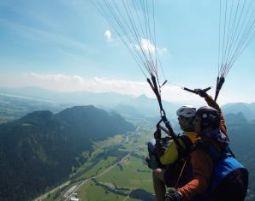 Gleitschirm-Tandemflug von den Gipfeln der Allgäuer Berge von den Gipfeln der Allgäuer Berge - ca. 90-120 Minuten