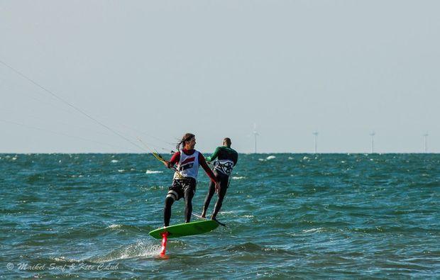 hydrofoil-kiten-zingst-abendteuer