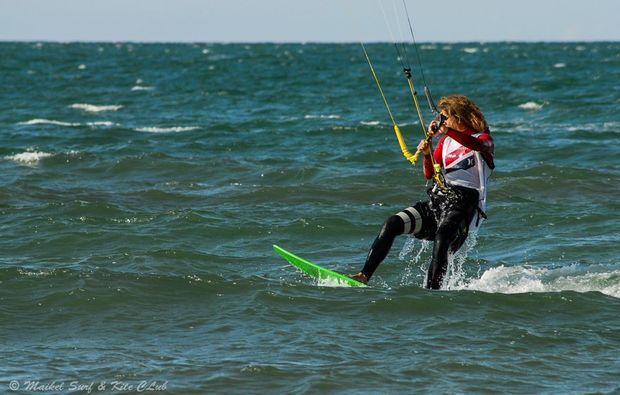 hydrofoil-kiten-zingst-fahren