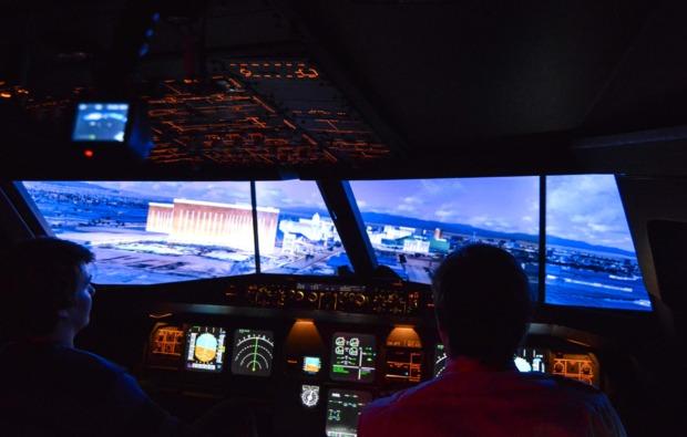 3d-flugsimulator-a380-hamburg-ueberflug