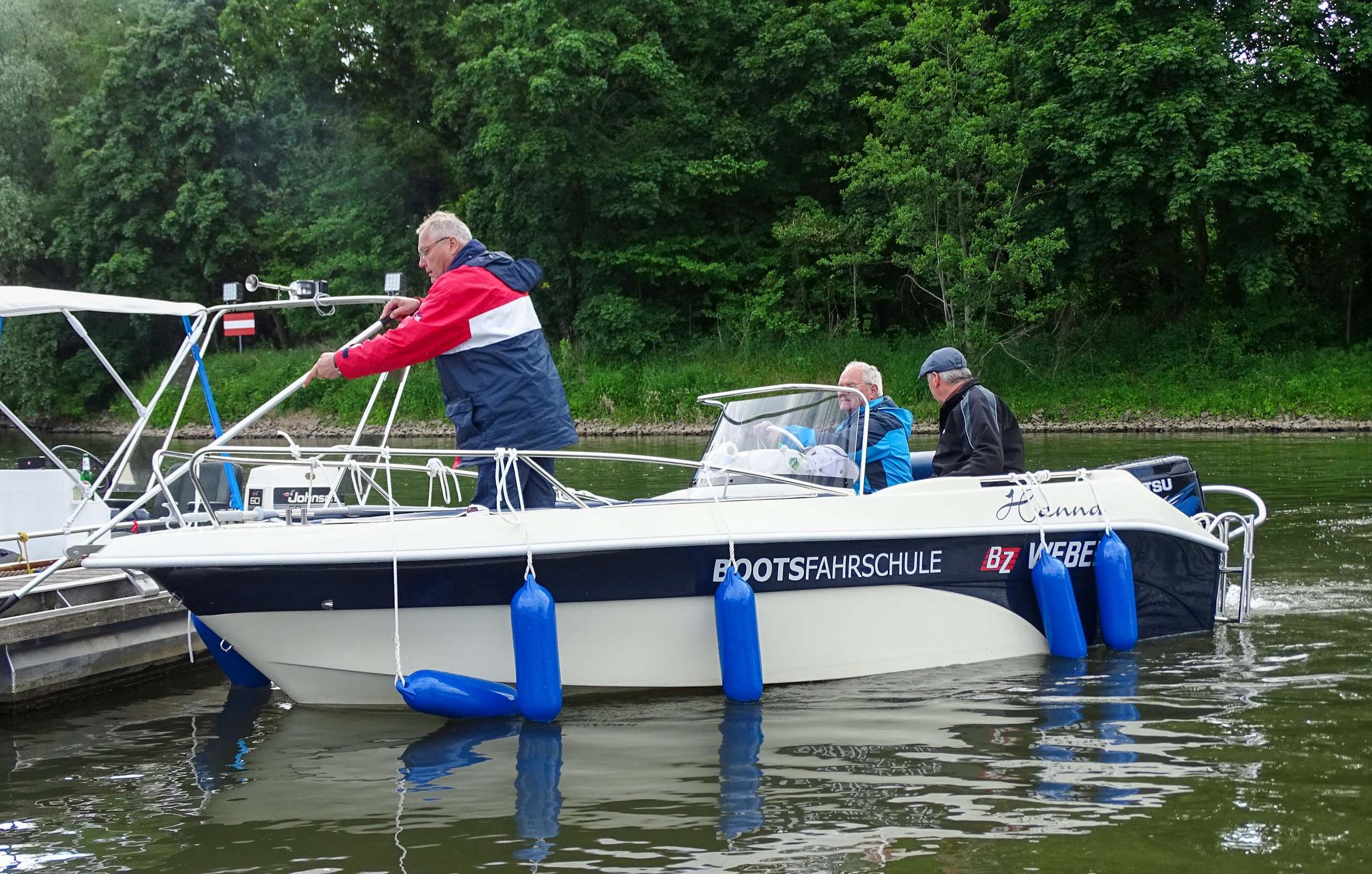 motorboot-fahren-brandenburg-an-der-havel-bg11606139331